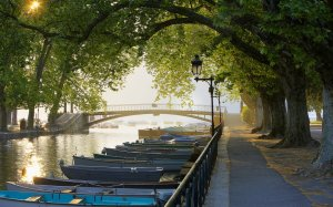 Canal-du-Vasse-Annecy-France