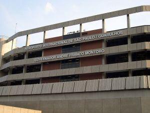 800px-AeroportoGuarulhos_Fachada